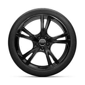 Audi 22 inch lichtmetalen zomerset, 5-arm Falx zwart