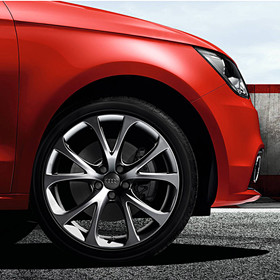 Audi 17 inch lichtmetalen zomerset, 5V-spaak antraciet