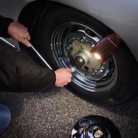 Porsche Classic handlamp