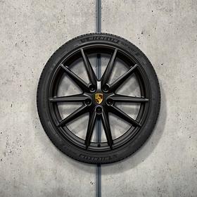 Porsche 20/21 inch zwarte Carrera S complete winterset voor 992