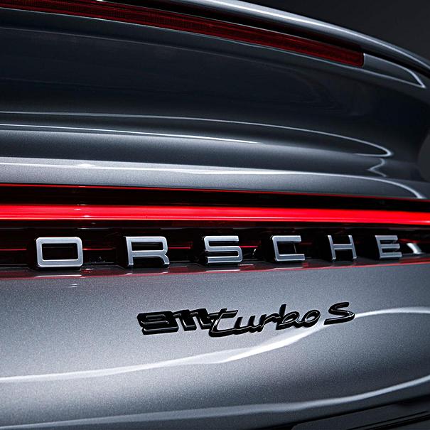 Porsche Embleem hoogglans zwart '911 Turbo S'