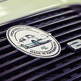 Porsche Grill badge RS 2.7 Collectie