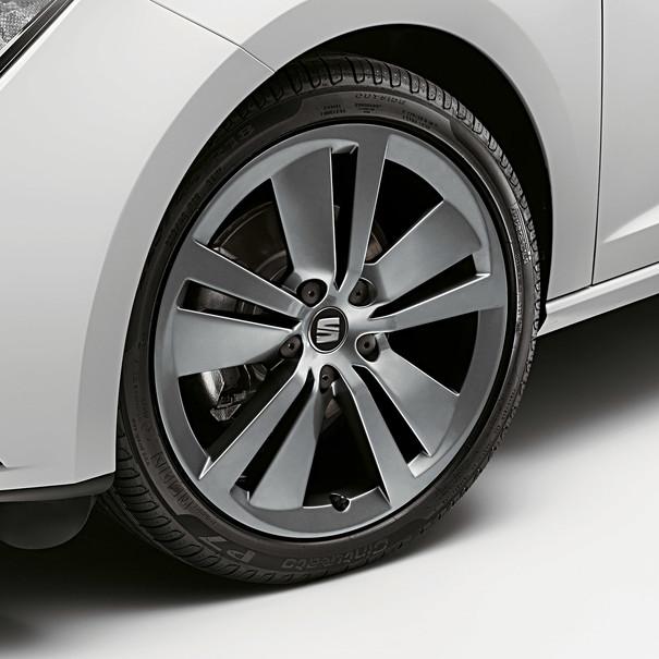 SEAT 18 inch lichtmetalen zomerset, 5-V spaak antraciet